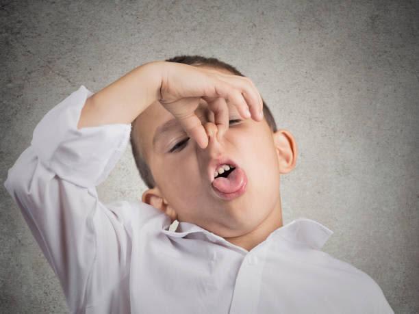 【歯科医師監修】子供に口臭、2つの主な原因と対処法