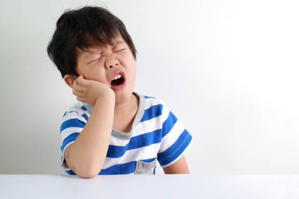 【医師監修】子供の口内炎はなぜできるの? できた時の対処法と予防のポイント