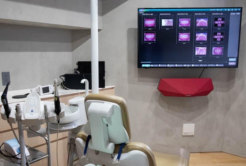 「いい音」で診察中もリラックスした時間を。DYNAUDIOスピーカーを導入した歯医者を訪ねた