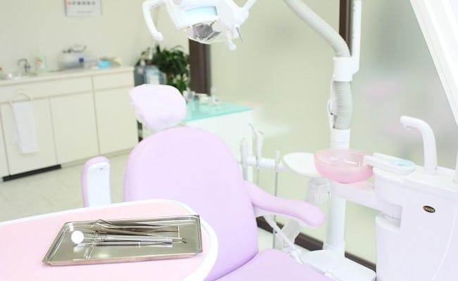 生まれつき歯が足りない?1歳6カ月健診で「先天性欠如」が判明して