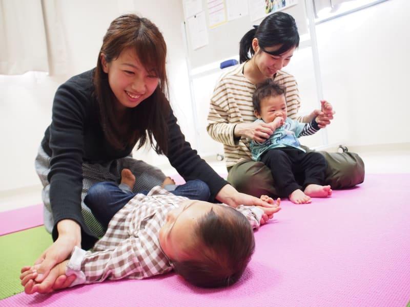キレイな歯並びと健康な体のために!赤ちゃん体操・リトミック大津で開催!0~2歳 ピースマム2019年9月号