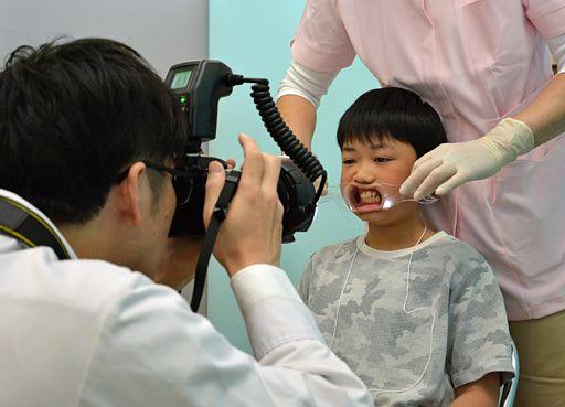 永久歯と生え替わる時期…歯並びと生活習慣との関係は?/子どもの健康につなげよう/黒石市で調査