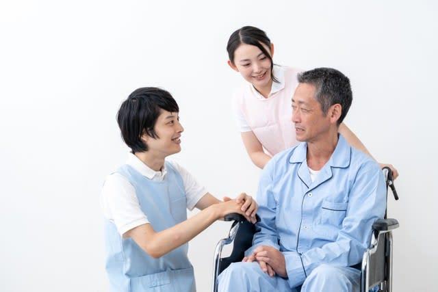 卒業後3年以内に4割が離職…2040年に向けて求められる医療福祉分野の人材育成