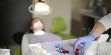 台湾 女子大学生、モデルナ製ワクチン受けるため歯科助手の求人に応募、2回目接種後すぐ辞める
